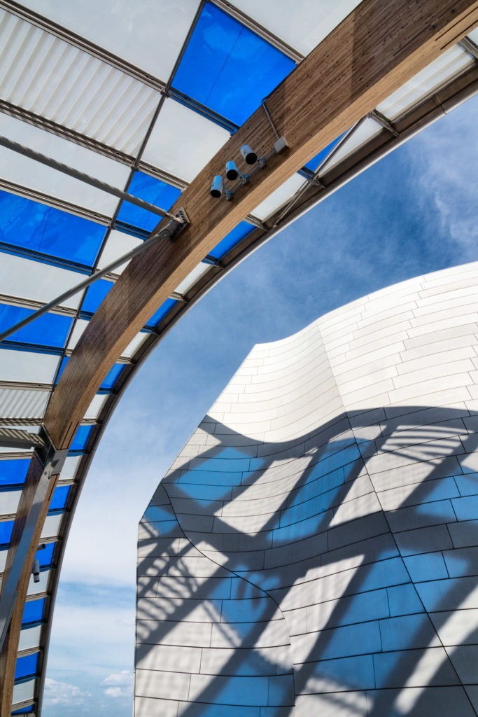 Fondation Louis Vuitton. Architecte : Frank Gehry. Artiste : Daniel Buren