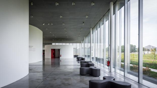 SANAA - Louvre Lens 11
