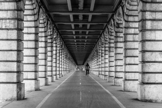 Pont de Bercy. Architectes : E.J. Féline-Romany, J. Monthioux et J. Résal