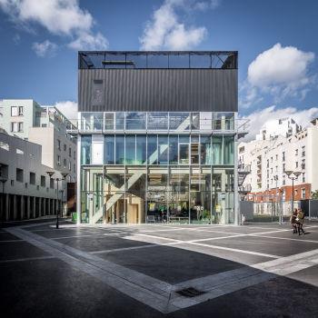 Centre d'animation Saint-Blaise. Architectes : Bruther