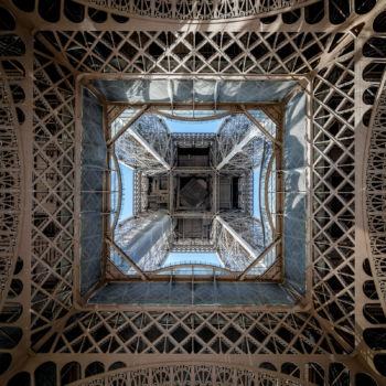 Vertige inversé. Tour Eiffel. 1889. Architecte : Stephen Sauvestre. Ingénieur : Gustave Eiffel