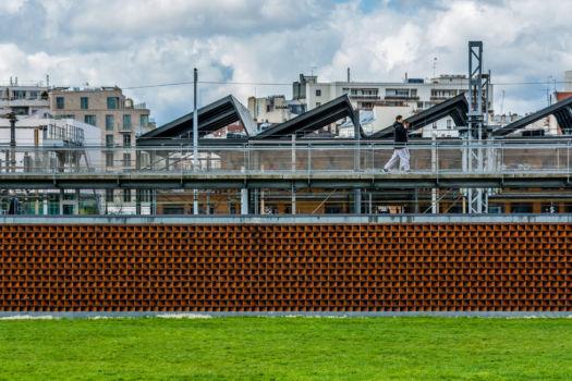 Vue sur la halle Pajol. Architecte : Françoise-Hélène Jourda