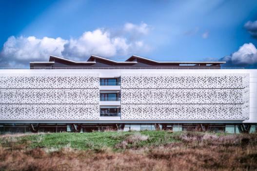 Institut d'optique d'Aquitaine à Talence. Architectes : Ragueneau&Roux + Atelier des architectes Mazières