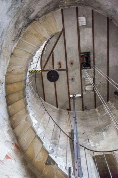 Escalier à l'intérieur de la grosse cloche