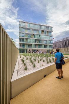 50 logements. Architectes : Atelier Kempe Thill + FRES