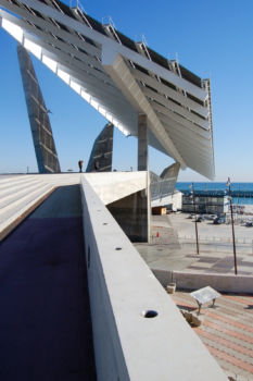 José Antonio Martínez Lapeña & Elías Torres - Barcelona Forum - Panneaux solaires
